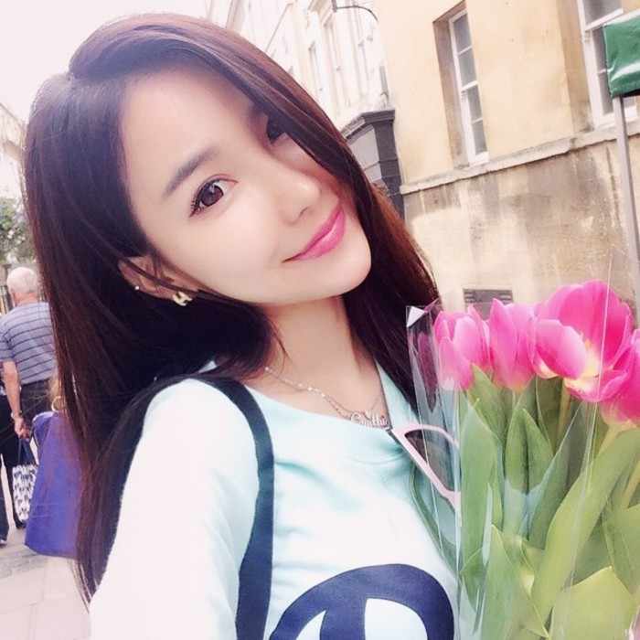 美女头像:QQ头像+名片