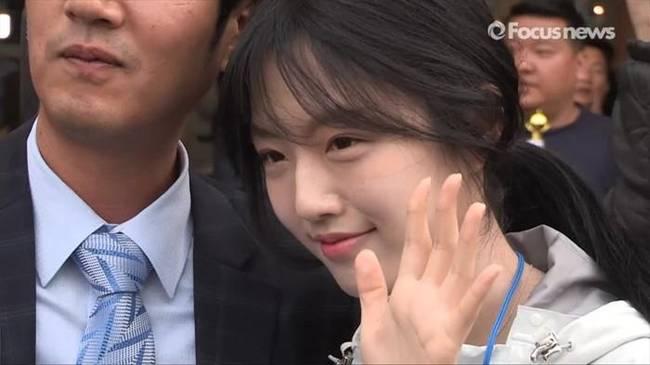 韩国总统女儿刘垣漂亮图片