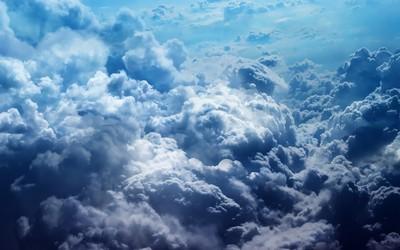 看蓝天下大朵白云的各种形状