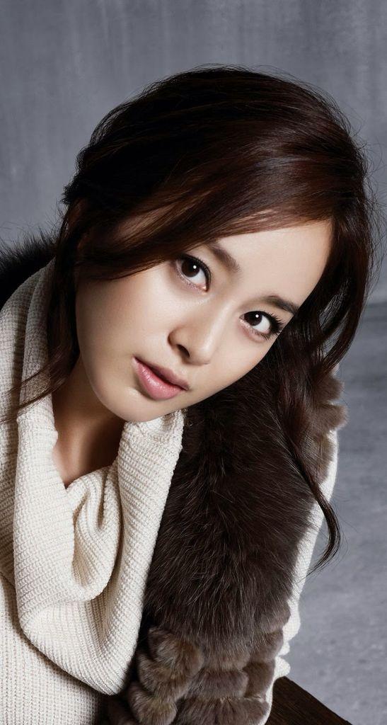 韩国美女明星金泰熙手机桌面壁纸