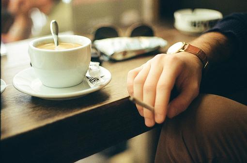 六月你好,文艺小资咖啡意境图片