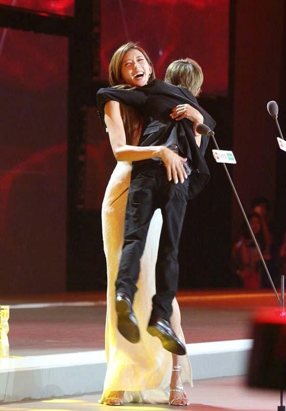 林志玲抱起郭敬明图片,我想到了干将莫邪