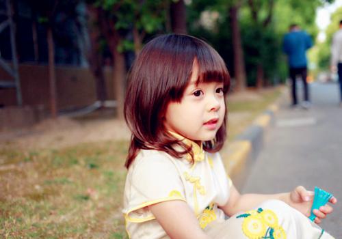 萌小孩哈琳图片_卡哇伊的小萌妹哈琳