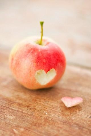 爱心苹果唯美手机壁纸图片下载