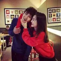 一张两人韩国情侣头像_宅男宅女的时尚生活