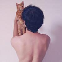 带宠物的情侣头像_qq情侣抱宠物头像