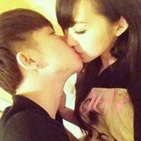 qq情侣激吻头像 高清情侣接吻头像