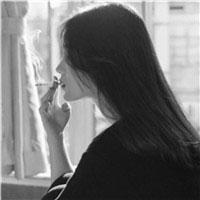 抽烟女生头像霸气范 社会女生抽烟伤感黑白
