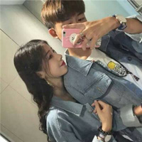 qq情侣头像两人张手机控可爱 拿手机微信情头