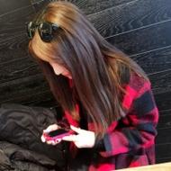 喜欢自拍的微信女生头像图片大全