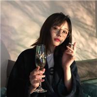 精选超拽颓废女生专属抽烟头像十六张