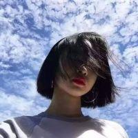 美女头像可爱清新微信版2017 喜欢一个不可能的人久了