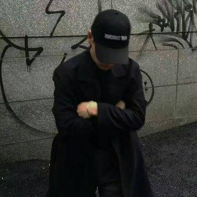 帅气的男生微信头像戴帽子系列 超有范霸气的男生头像