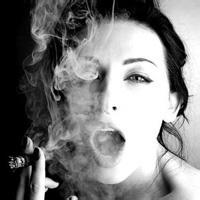 欧美高贵优雅抽烟头像 欧美抽烟男头像