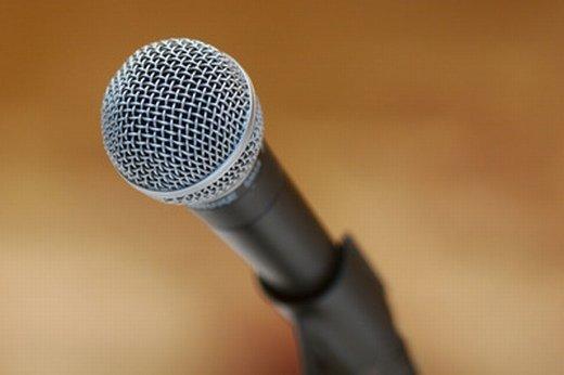 麦克风图片_我唱得不够动人 仍想为你唱一曲