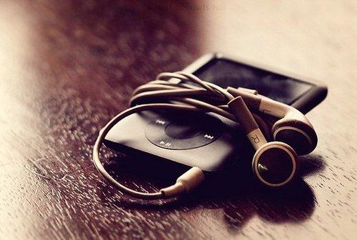 安静的听歌意境图片_安安静静的听首歌 沉淀心情