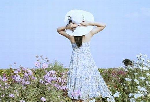 帽子女生意境图片_你的眼神让我充满了心跳