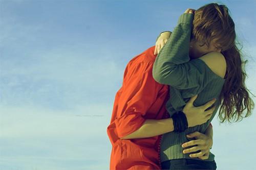 深情拥抱的情侣图片 拥抱图片 爱人