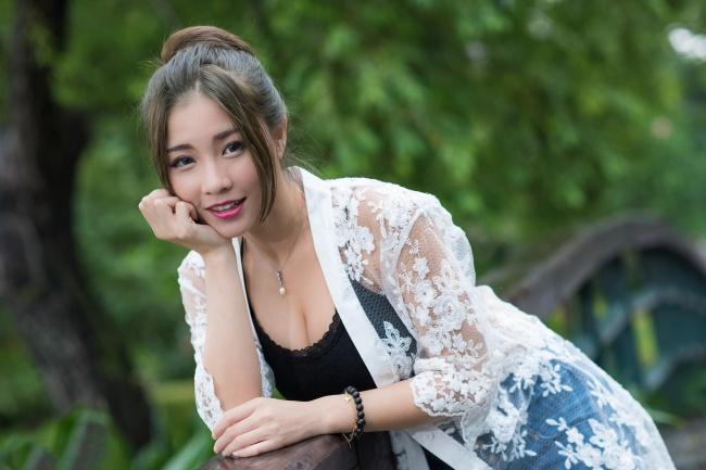 日本性感少妇诱惑图片
