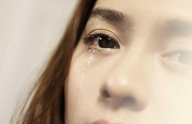 哭的很伤心的图片难过的意境图片