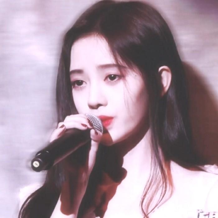 鞠婧祎舞台唱歌头像