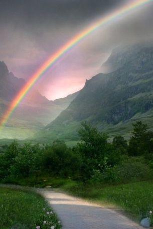 雨后彩虹图片,雨后彩虹晴天