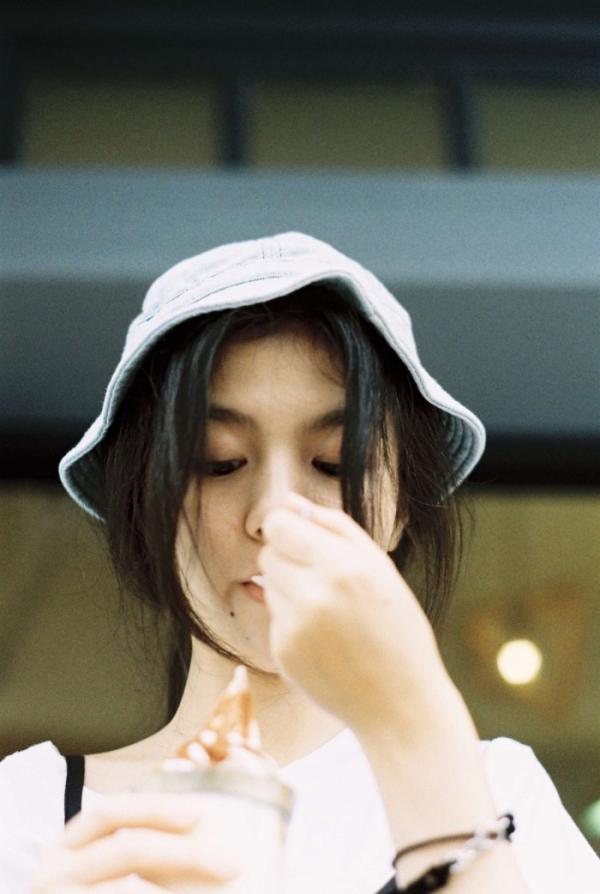 春夏小姐姐时尚个性图片