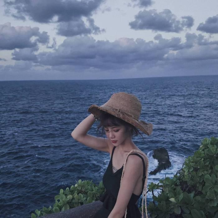 海边舒服的微信女生头像