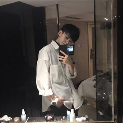 qq头像2018男生手机控挡脸霸气头像 离开是想要被挽留