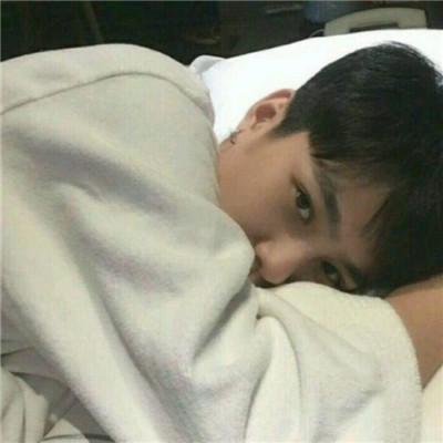帅气小哥哥头像高清图片分享 太容易动情就活该夜夜哭