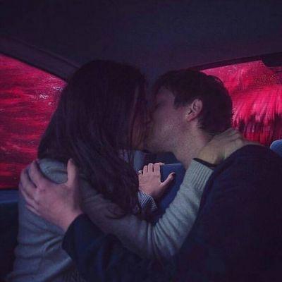 情侣甜蜜亲吻合照yy头像一人一张2018 幸福情侣么么哒头像