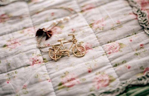 早安心语:人生,需要有一些时刻,慢下来,静下来。告诉自己,活着,真好