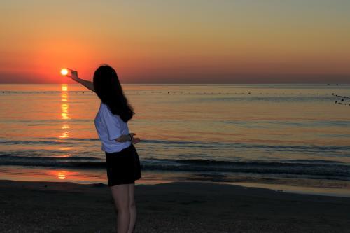 早上看日出的经典说说 清晨的日出唯美句子